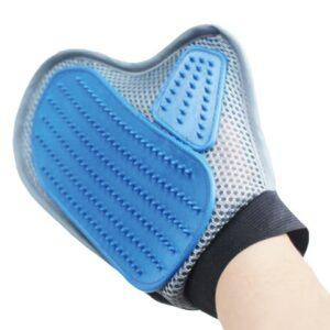 Rokavica za česanje in masažo hišnih ljubljenčkov